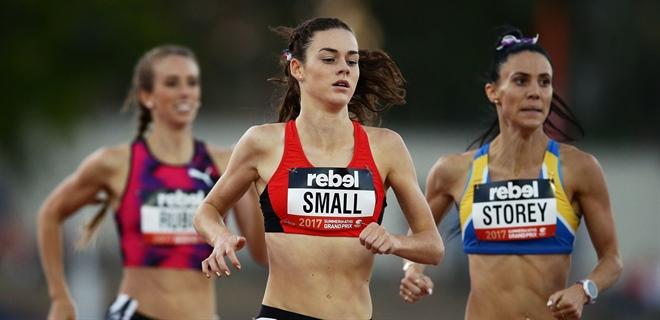 Kelly Small, nacida en 2001, corre en 2:01.46 los 800