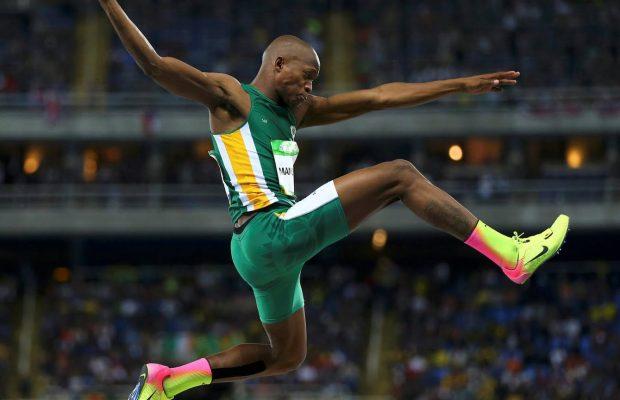 Luvo Manyonga bate el récord de Sudáfrica