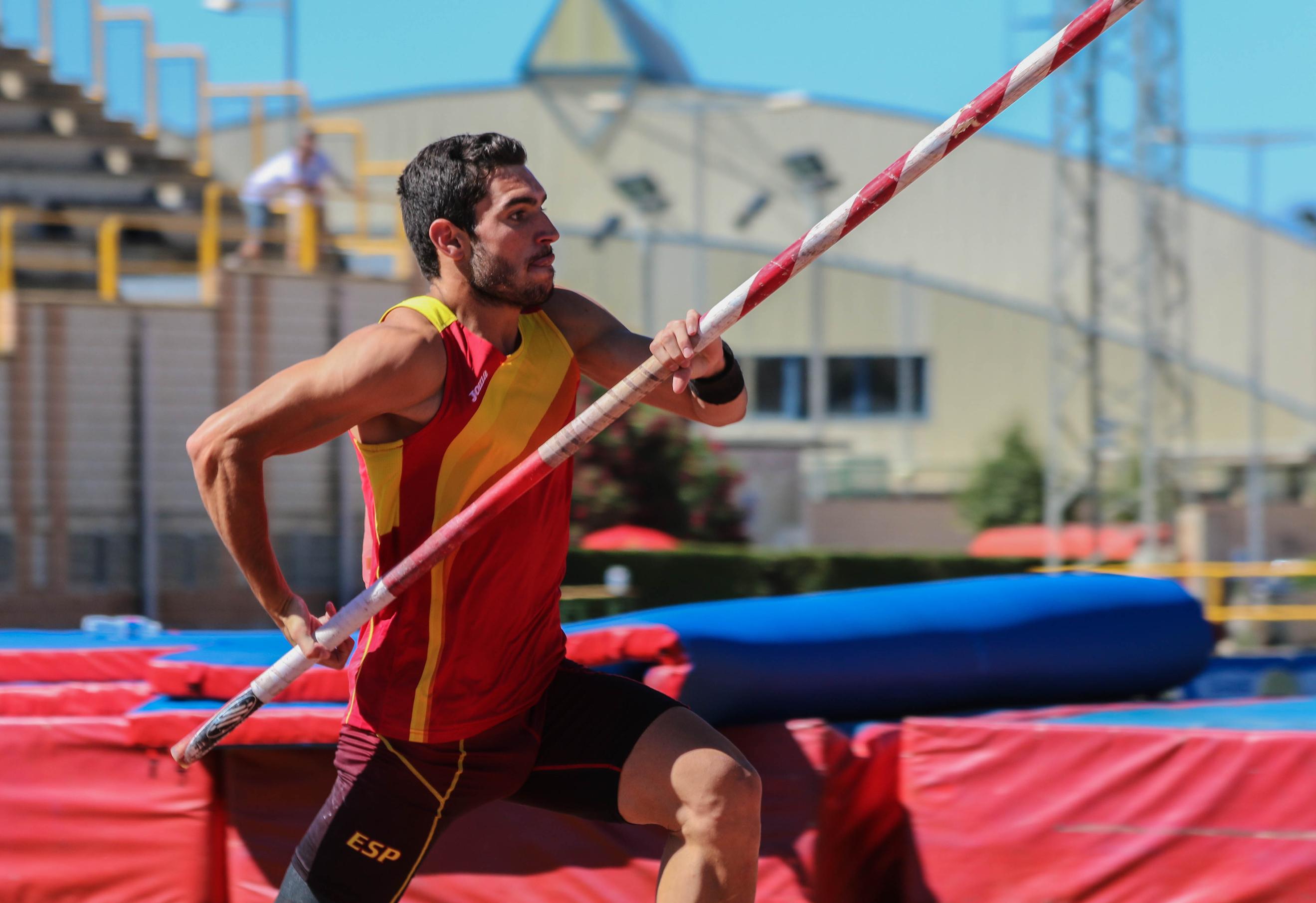 Jorge Ureña competirá en el triatlón de París