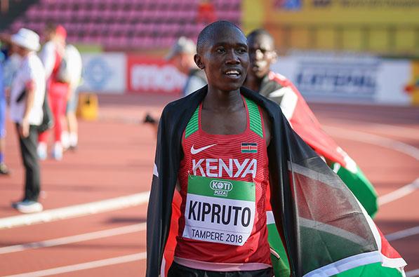 Rhonex Kipruto se queda a las puertas del récord del mundo
