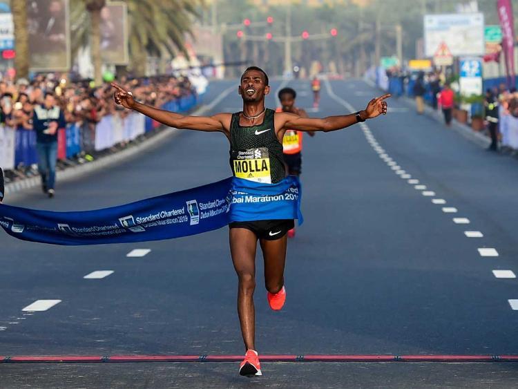 Récord en el maratón de Dubai para Getaneh Molla