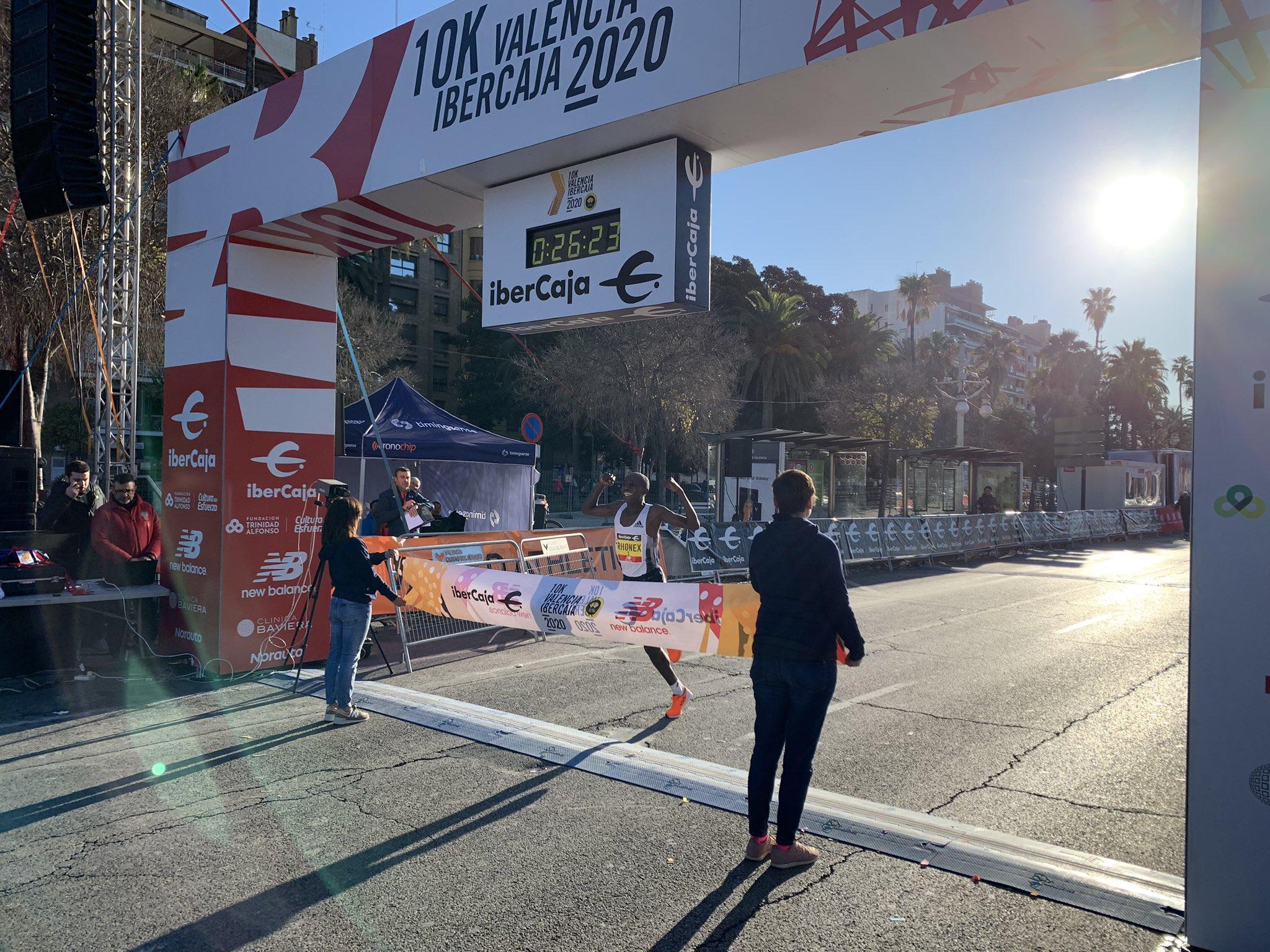 Rhonex Kipruto fulmina el récord mundial de 10K en Valencia – 26:24