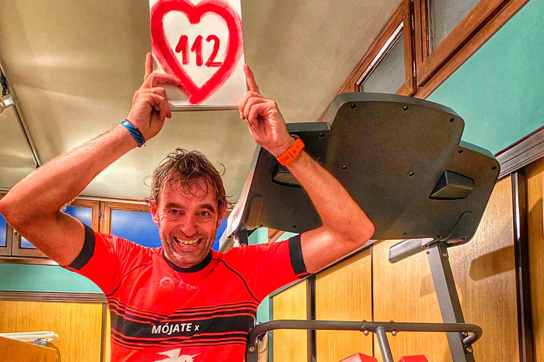 Ricardo Abad completa 112 km en su casa